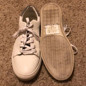 Express Shoes - Like New Express White Sneaker Size 8